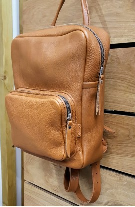 Genuine 100% vaccine leather backpack