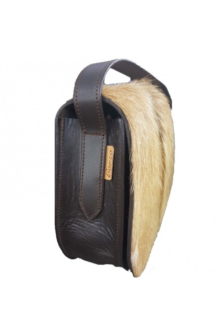 Leather shoulder bag and natural hair
